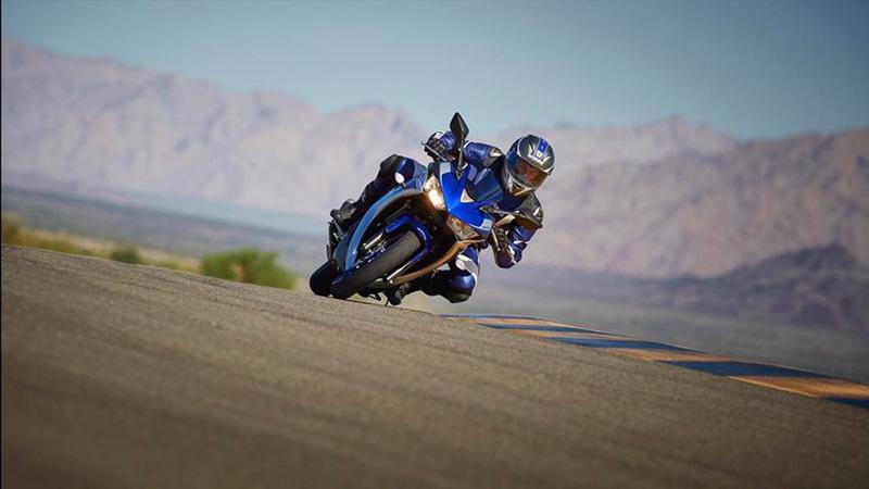 Foto Yamaha YZF R320 2015 Dinamica 6