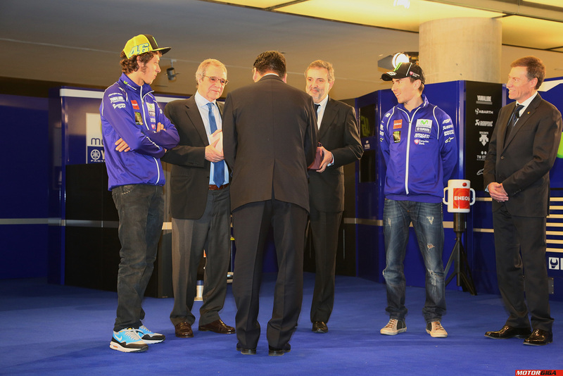 Foto Team Movistar Yamaha 2015 030