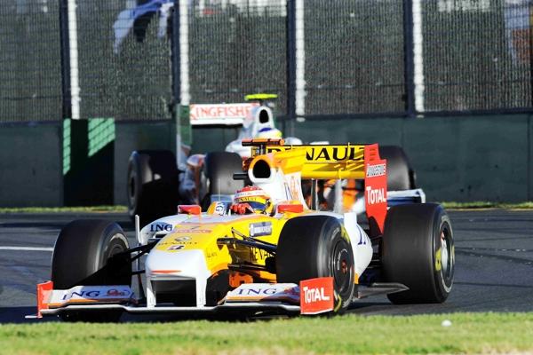 F_Alonso__Renault__5___en_Australia.JPG