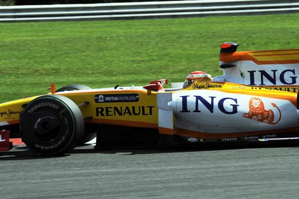 Fernando_Alonso__Renault___16_.JPG