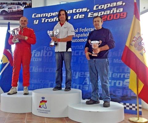 Pablo_Antelo_en_la_entrega_de_trofeos_como_primer______clasificado_de_Divisi__n_1.JPG