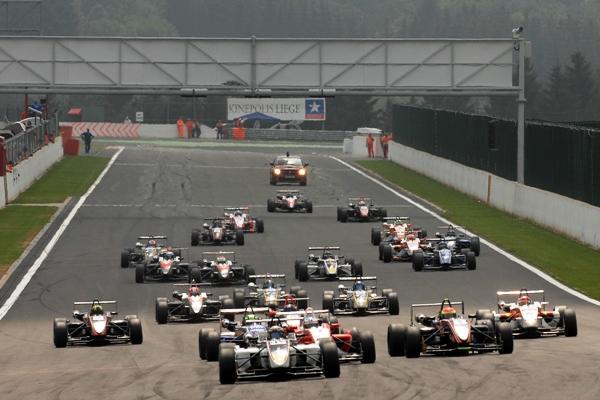 Euro_F3_Open_Spa_Race_2___Start.JPG
