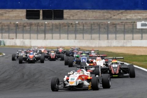 Salida European F3 Open Magny-Cours_1.JPG