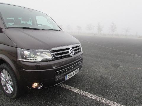 Hasta 8 consejos para una conducción más segura con niebla