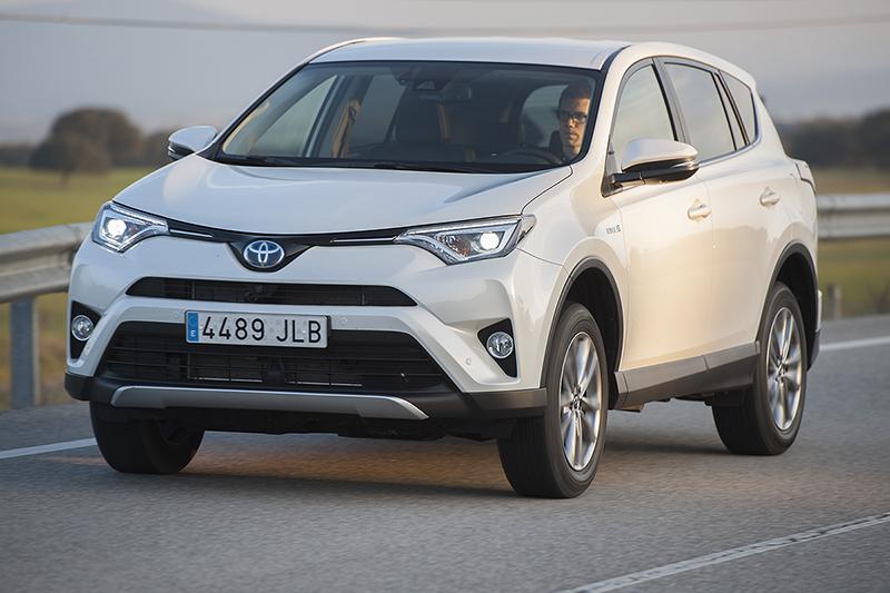Toyota RAV4 híbrido y... ¿SUV?