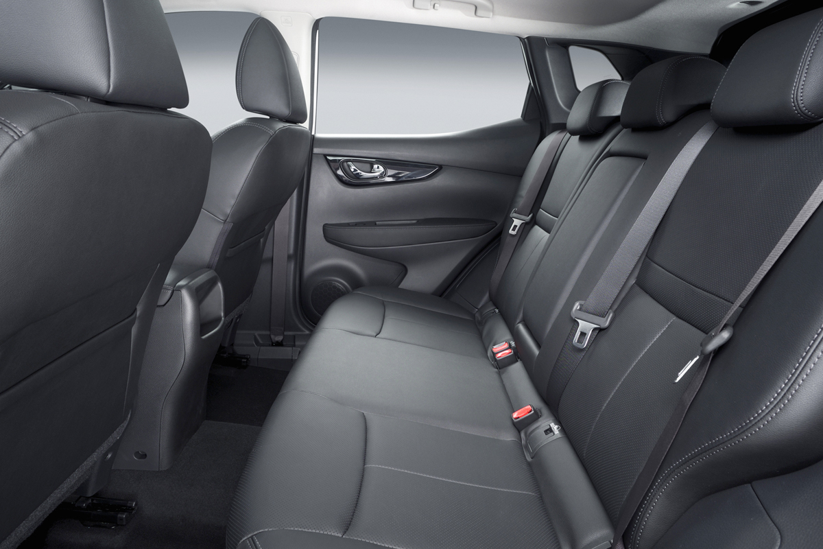 Nissan Qashqai 2014, plazas posteriores y maletero