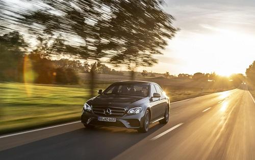 Mercedes-Benz E 300 e, una nueva versión híbrida enchufable para el Clase E