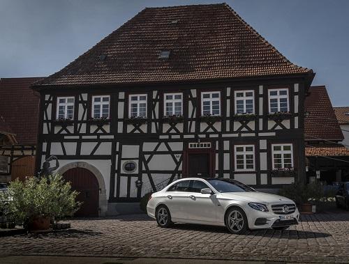 Mercedes-Benz E300 de, nuevo híbrido enchufable diésel con hasta 54 km de autonomía eléctrica