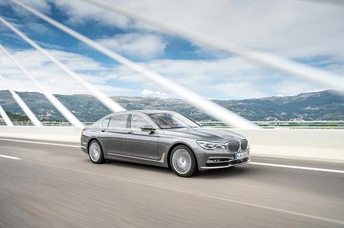 Nuevo BMW 750d, motorizado con el espectacular bloque diésel con 4 turbos y 400 CV