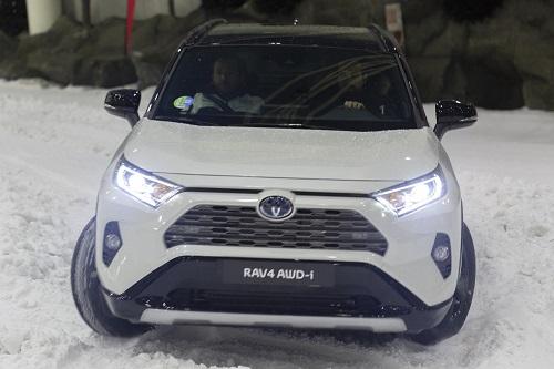 Toyota Rav4 Hybrid AWD-i, la tracción 4x4 llega a la nueva generación del SUV