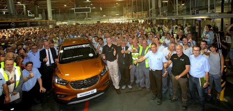 El primer Opel Mokka X sale de la línea de producción de Figueruelas