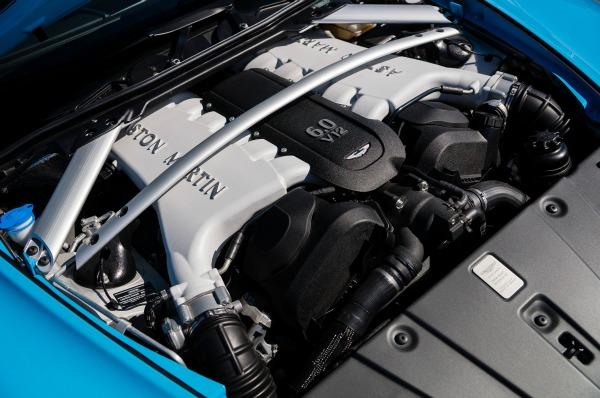 Aston Martin presenta su nuevo V12 biturbo