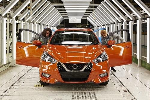 El nuevo Nissan Micra 2017 arranca su producción en la planta Renault de Flins (Francia)