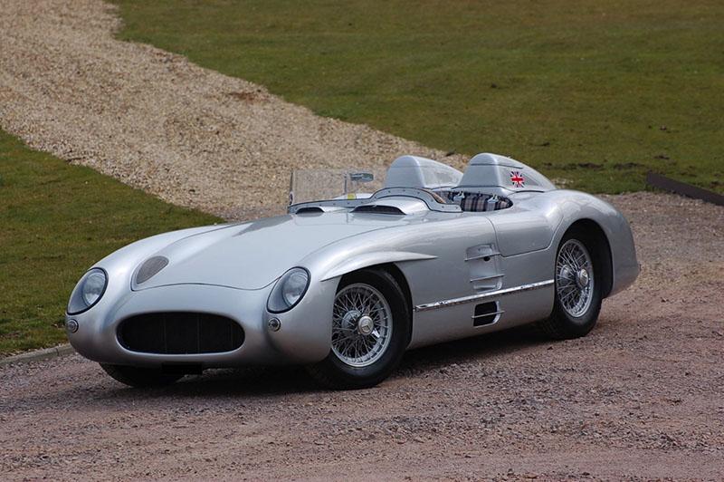 A subasta una réplica del Mercedes 300 SLR de Stirling Moss