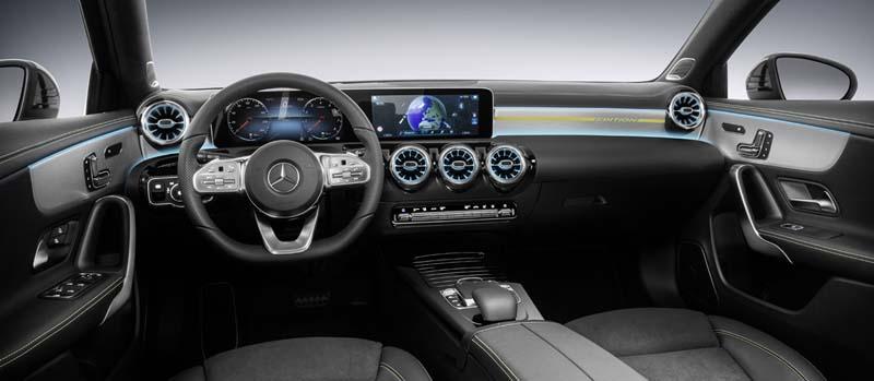 El Mercedes-Benz Clase A 2018 desvela su interior