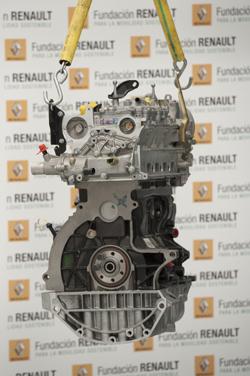 Más material donado por Renault para estudiantes de FP