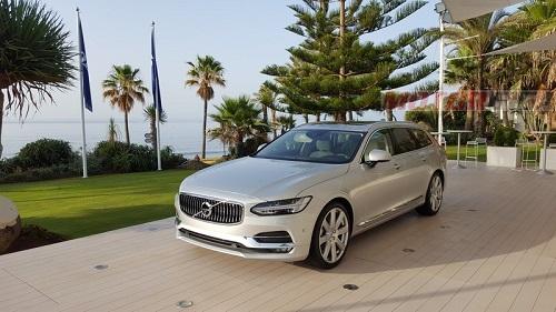 Los Volvo S90, V90, y XC90 reciben más tecnologías y una nueva mecánica