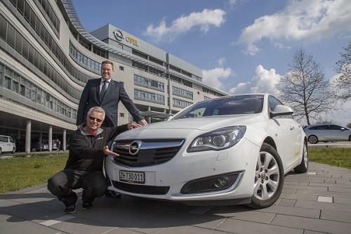 ¡Menuda hazaña!. Este Opel Insignia ha completado 2.111 km. con un solo depósito de combustible