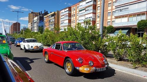 El VallClassic 2016 logra reunir más de 120 clásicos de Renault en Valladolid