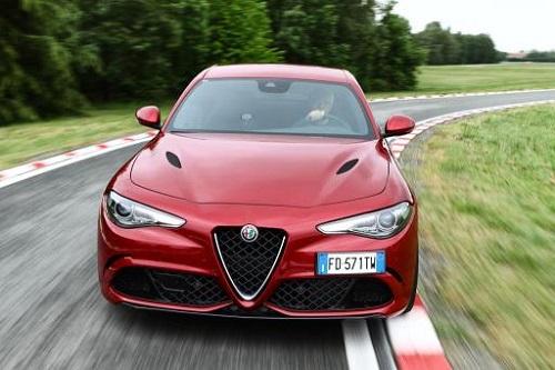 Alfa Romeo Giulia QV, pulverizando el registro de berlinas en Nürburgring