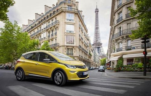 Opel Ampera-e, un órdago a los combustibles fósiles con 500 km de autonomía