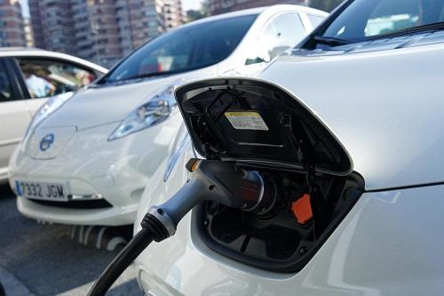 Nuevo desplome del mercado de los eléctricos. ¿Qué está pasando?