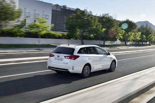 Más de 100.000 híbridos de Toyota y de Lexus circulan ya en España