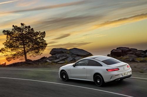 Mercedes-Benz Clase E Coupé, la renovación de la familia llega al Coupé