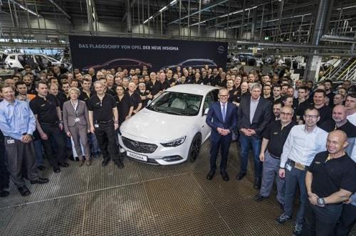 Opel Insignia Grand Sport; pistoletazo de salida a su producción