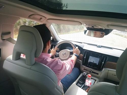 Pilot Assist, probamos el sistema de conducción semiautónoma de Volvo