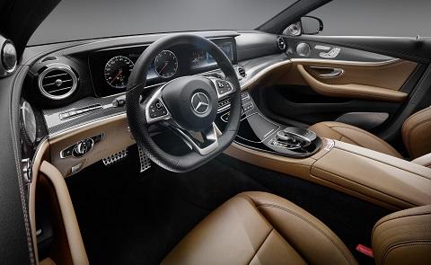 El interior del nuevo Mercedes Clase E se muestra marcando la diferencia