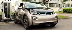 Cinco diferencias entre conducir un coche eléctrico y uno tradicional