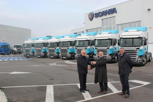 Scania R450 Tojeiro Transportes